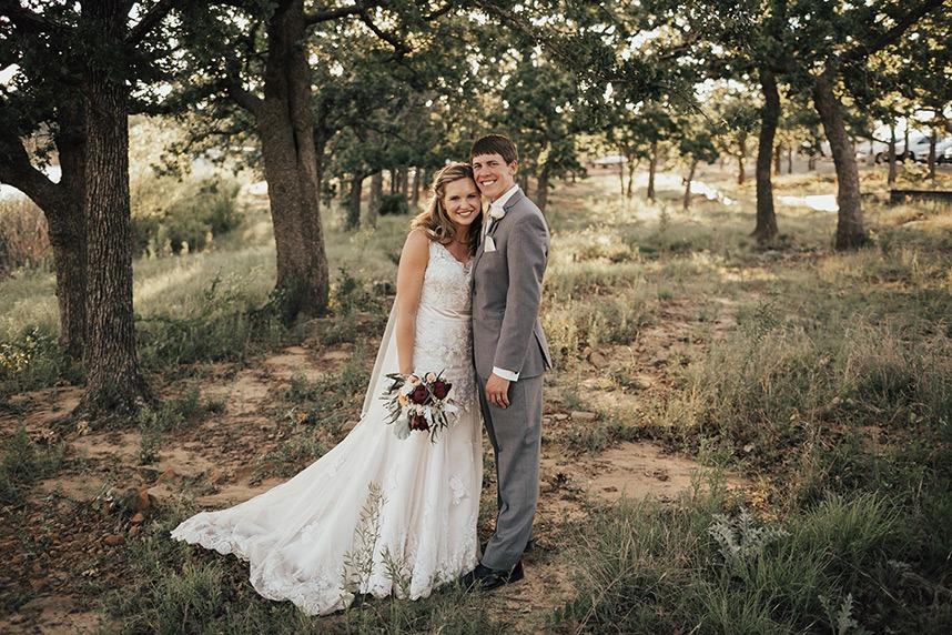 Vintage Furniture Filled Wedding Oklahoma Wedding Planner Grassroots Vintage Events 01
