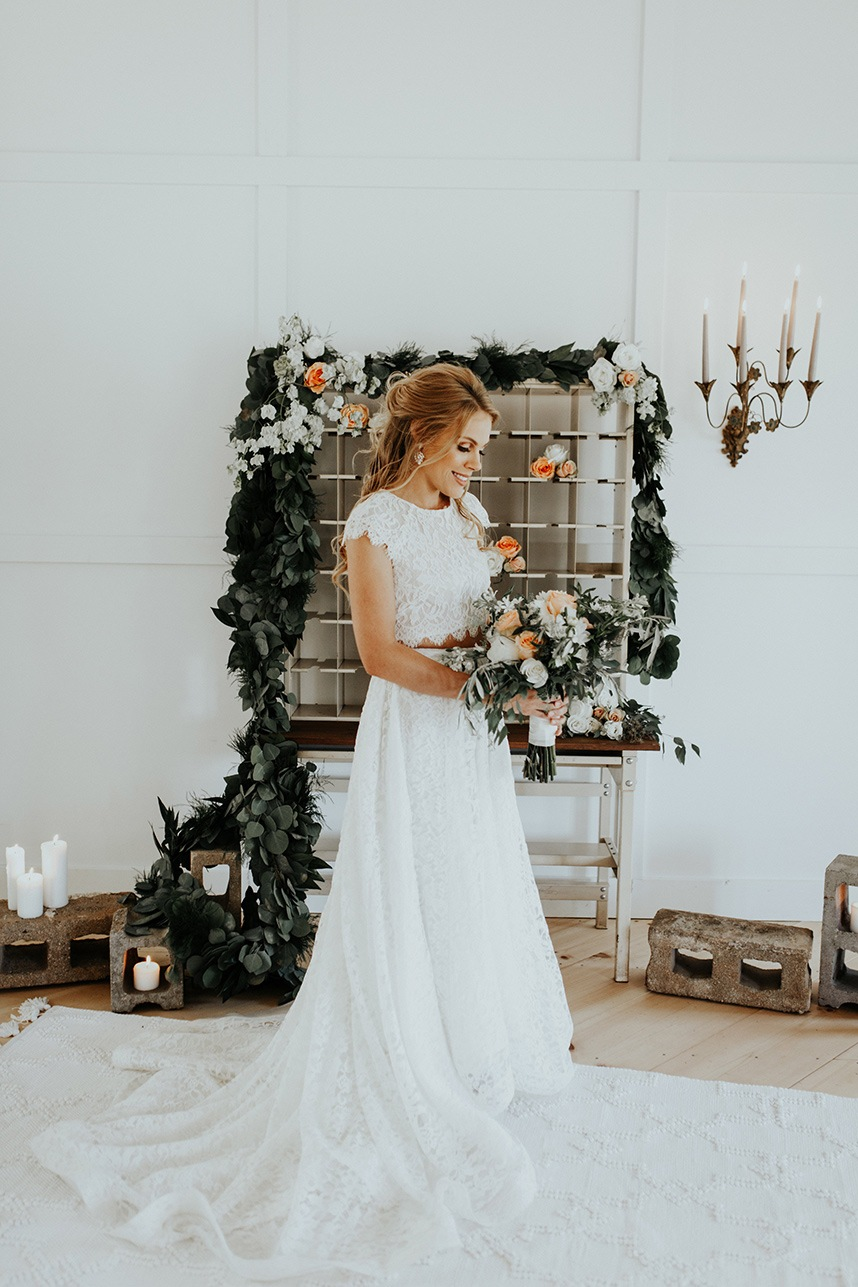 Southern Meets Industrial Chic Oklahoma Wedding Planner Grassroots Vintage Events and Rentals Oklahoma Wedding Photographer Chelsea Denise Photography 14