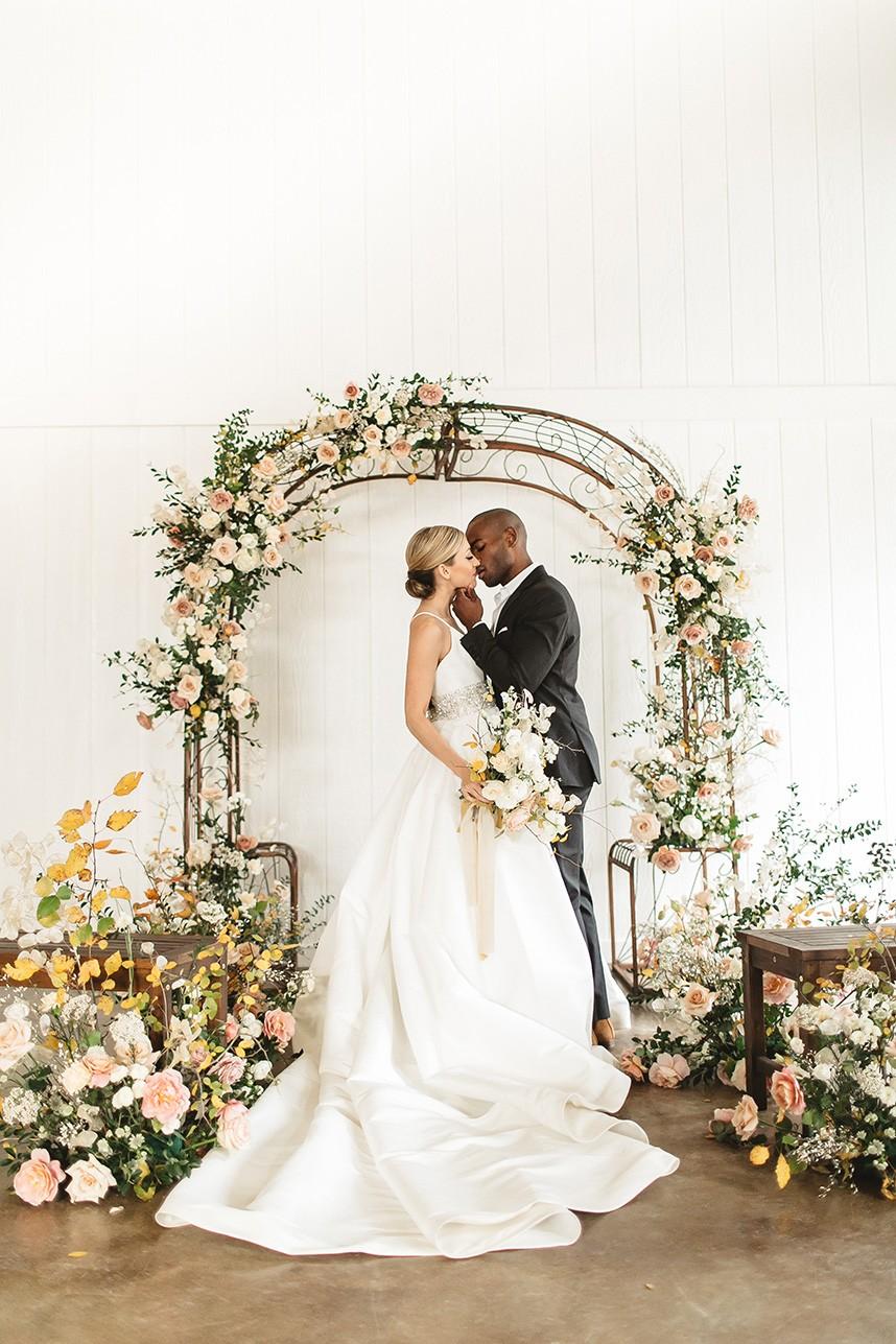 Copper Accented Romantic Modern Wedding Styled Shoot Oklahoma Wedding Photographer Emily Nicole Photo Oklahoma Wedding Florist Anthousai Floral Design 011