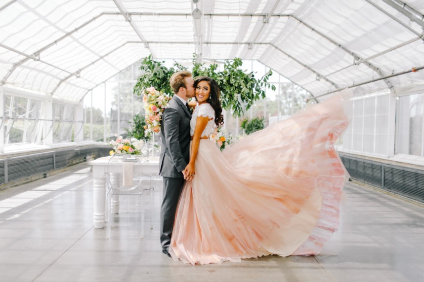 Modern Greenhouse Wedding Inspiration Oklahoma Wedding Photographer Sarah Libby PhotographyOklahoma Wedding Planner Aisle Be With You 13