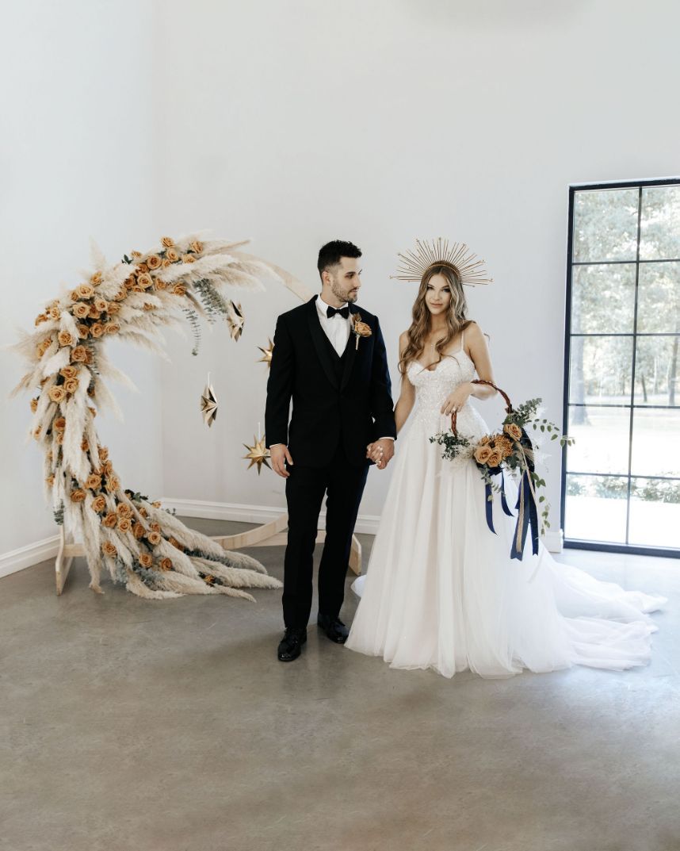 Bohemian Celestial Wedding Inspiration Oklahoma Wedding Venue The Legacy at MK Ranch Oklahoma Wedding Flowers Floral Florist The Flower Shop Pryor_752 2