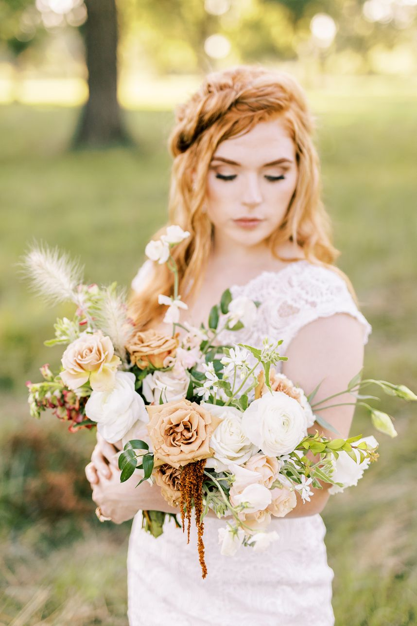 Vintage Field Wedding Inspiration Oklahoma Wedding Venue Pecandarosa Ranch Oklahoma Wedding Florist Ever Something Floral Design_26