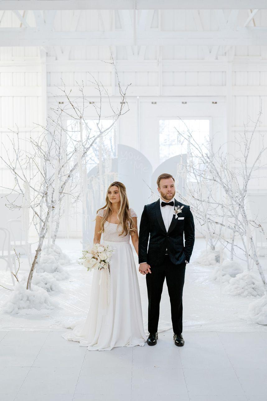 Winter Wonderland Wedding Inspiration Oklahoma Wedding Venue Aspen Ranch Oklahoma Wedding Photographer Danielle Villemarette Co._65