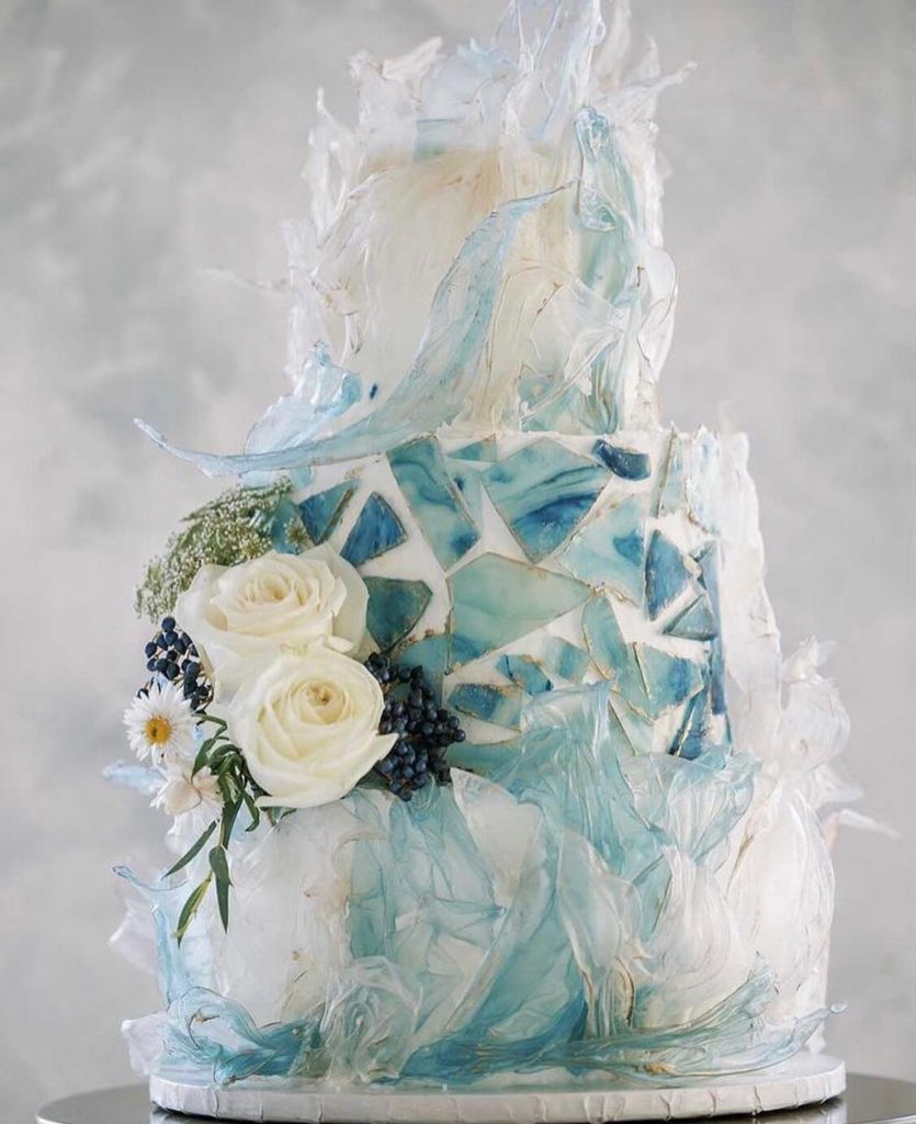 """When your """"something blue"""" is also something sweet! pecandarosaranch was dressed to the nines for the most dreamy day we"""