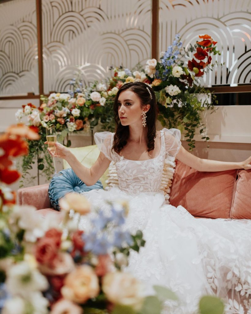 Featuring a primary palette in muted tones, this mod deco style wedding inspiration takes place at the perfect setting –