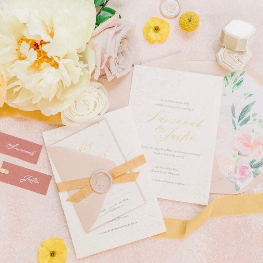 Now that's some gooooood lookin' stationery from eros_stationery! It's the little details that make a big difference in the wedding