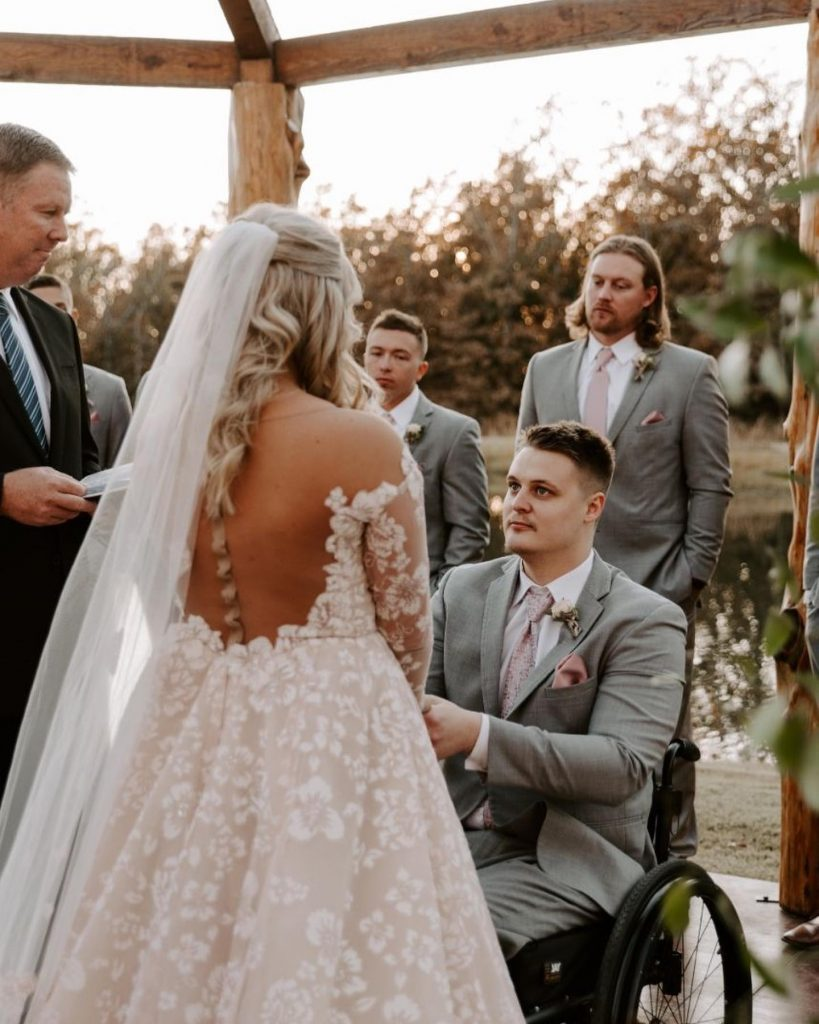 Combining rustic pine with the glam of rose gold and luxe mauve, this wedding at thepinesok truly has the best