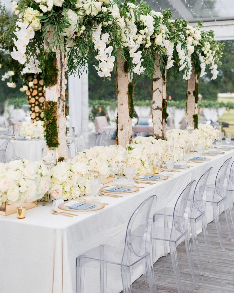 Leaving you with some mod-glam wedding inspo for all those looking to get ahead on planning this weekend! thefleuriste always