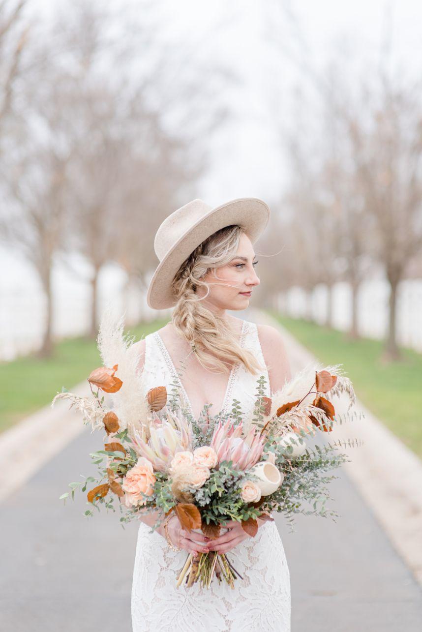 Fall Toned Bohemian Wedding Inspiration Oklahoma Wedding Venue Aspen Ranch Oklahoma Wedding Photographer Megan Lee Photography_36