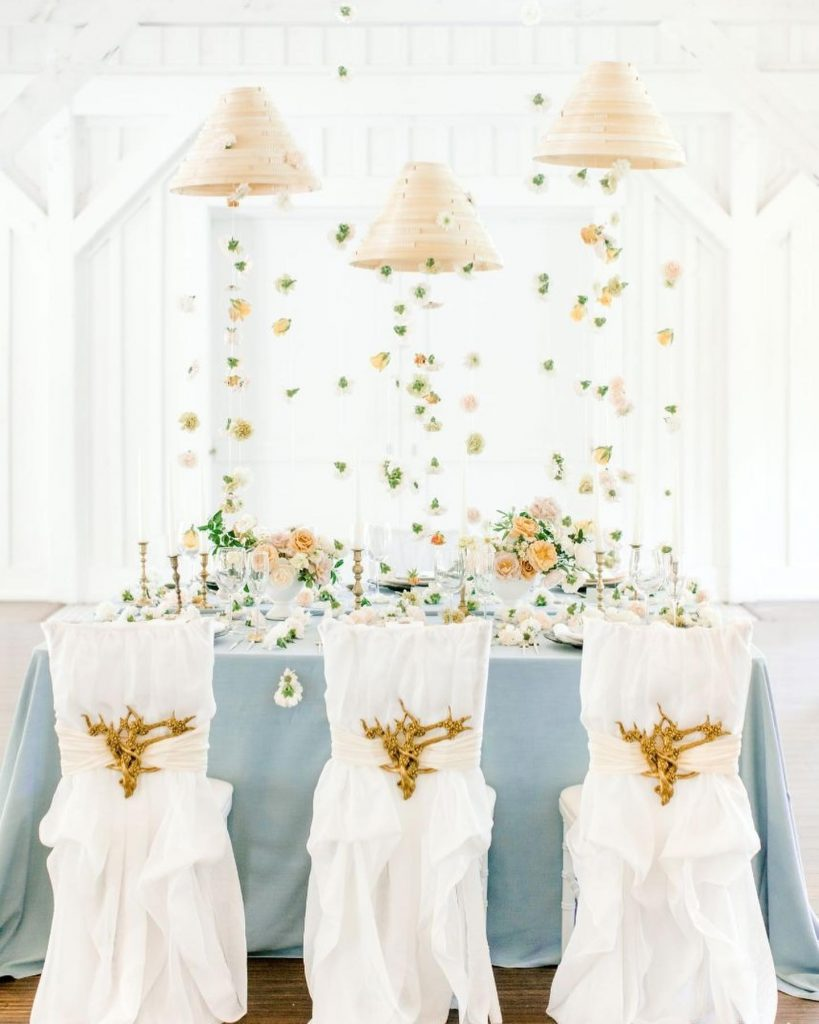 With all its delicate floral elements and transitional feel, this vintage-chic-styled shoot makes for perfect early spring wedding inspiration. //