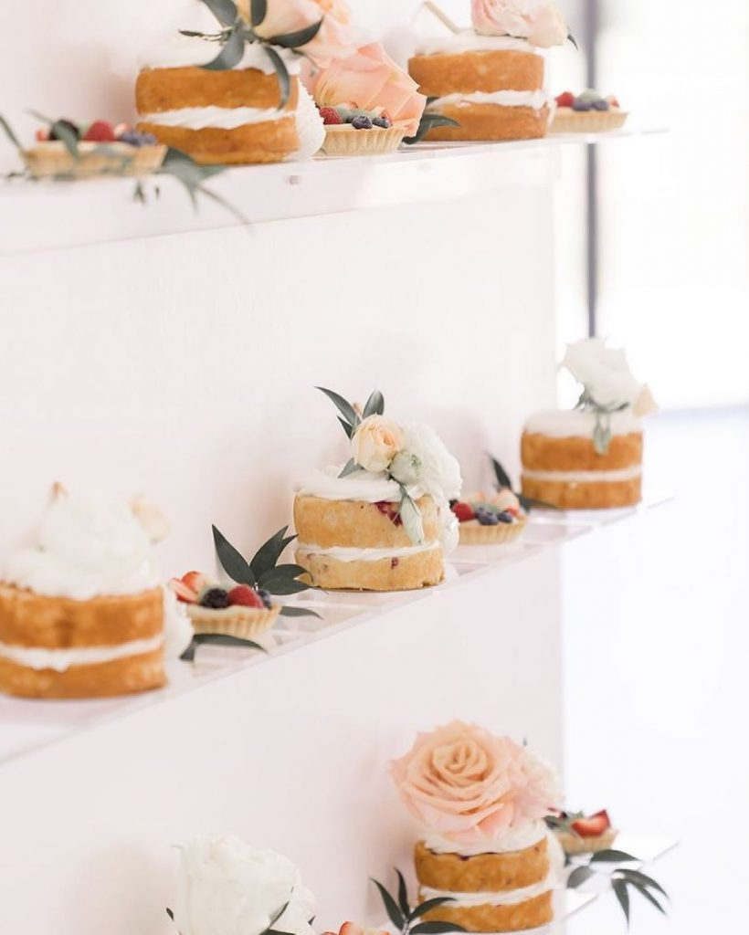 A champagne wall that doubles as a dessert display? Seriously –– what more could a gal WANT? With spirits from