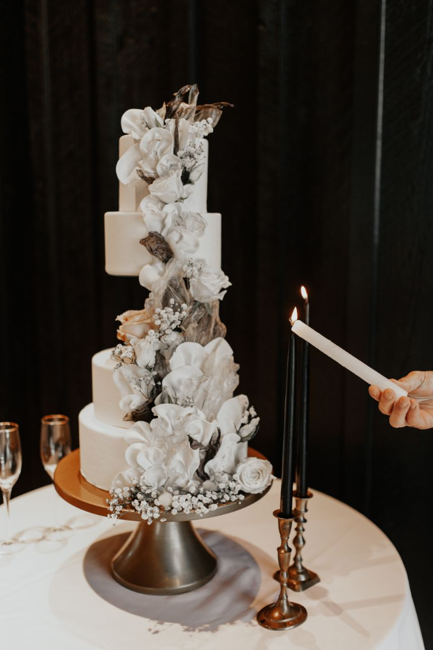 sweet devotion cakery black and white wedding inspiration