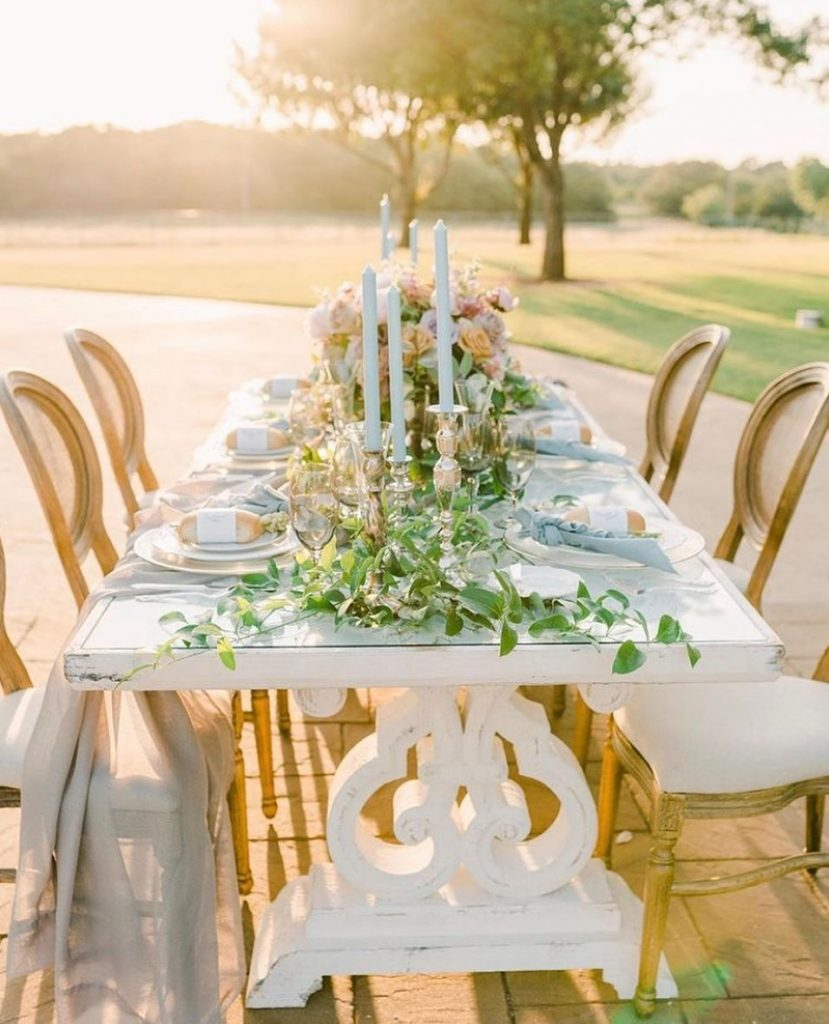 Merci Beaucoup! This French-inspired, countryside setup is complete with lush greenery from poppys_garden, alongside bursting parisian pastel blooms. Now, will