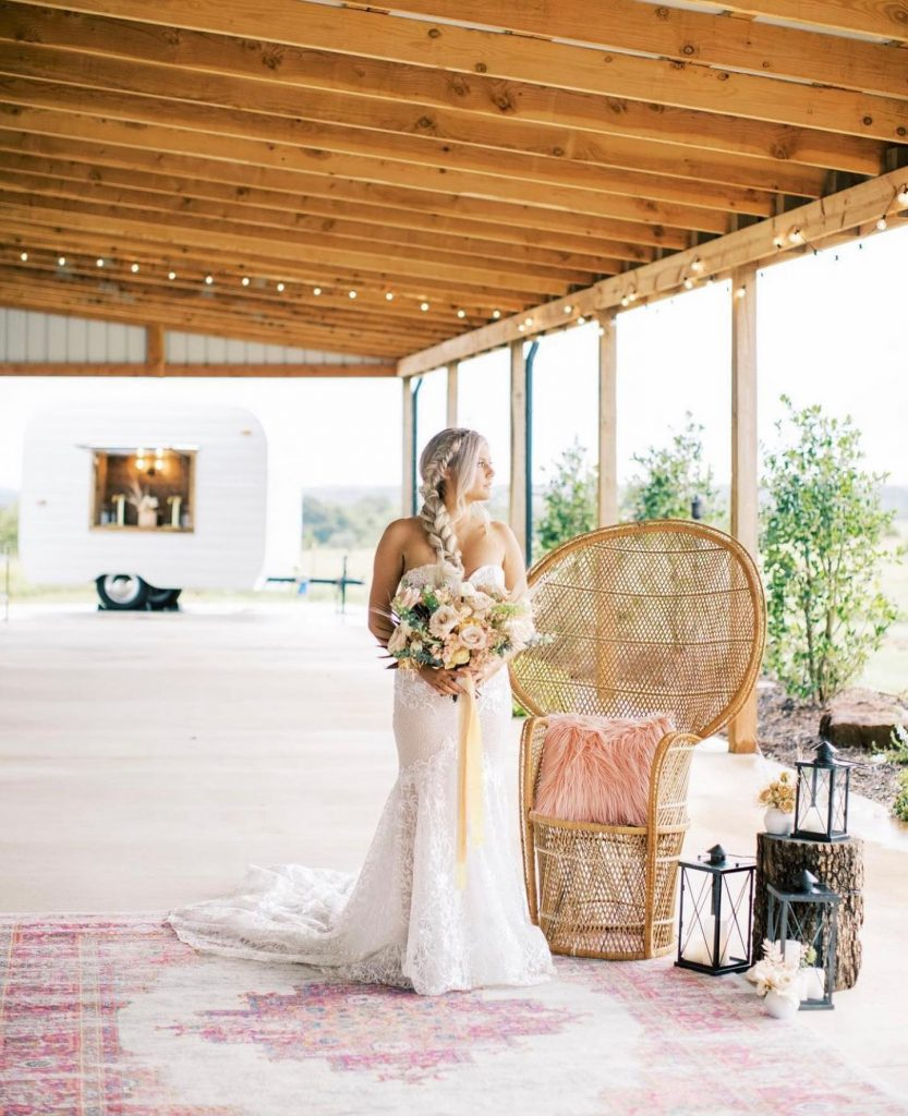Boho beauties, RUN don't walk to the scene of this macrame daydream! This talented team of local vendors provided the