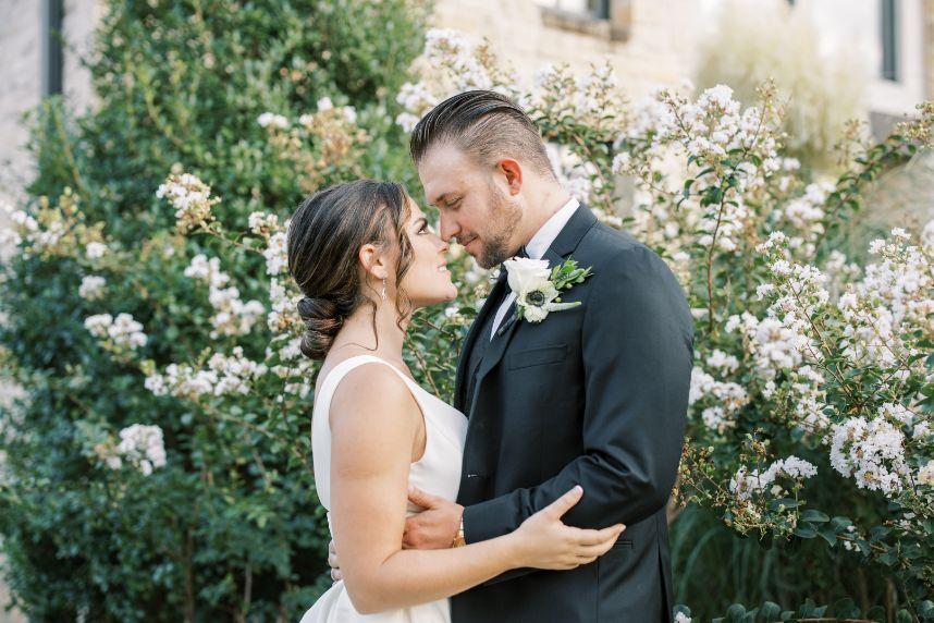 Modern Woodland Wedding Inspiration Oklahoma Wedding Venue The Bella Donna Wedding Chapel & Event Center