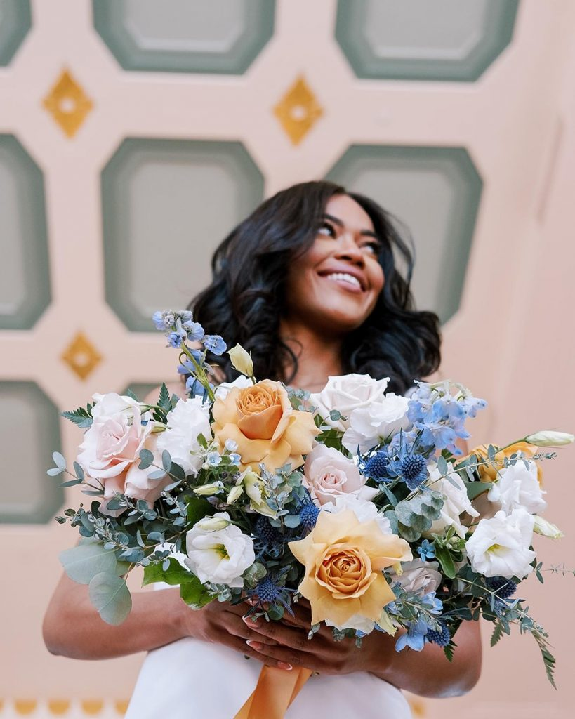 Helping us cling to the last bit of summer is this cheery seaside wedding inspiration in a palette of gold